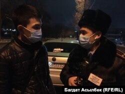 Специальные мониторинговые группы проверяют развлекательные заведения во время действия карантина. Участники мониторинговой группы. Алматы, 27 февраля 2021 года.