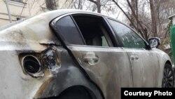Подожженный автомобиль активиста Есенгазы Куандыка.