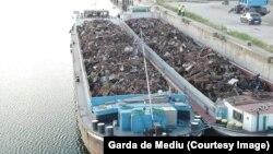 Баражи с незаконно внесен в Румъния метален отпадък