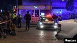 Фотографија од синоќешната полициска акција во експозитурата на банката каде биле држени заложниците