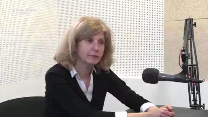 Manojlović Pintar: Odustala bih od spomenika Đinđiću