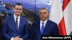 Prim ministrul polonez Mateusz Morawiecki (stânga) și prim ministrul ungar Viktor Orban , Bruxelles, septembrie 2020