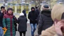 OZOD-VIDEO: Меҳнат муҳожирлари: Барча аëлларни байрам билан табриклаймиз
