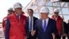 Нурсултан Назарбаев в бытность президентом Казахстана и турецкий бизнесмен Феттах Таминдже инспектируют ход строительства сферы «Нур Алем», которую возводит компания Таминдже. Астана, август 2016 года.