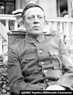 Симон Петлюра (1879–1926) – український державний, військовий та політичний діяч, публіцист, літературний і театральний критик. Фото 1920 року