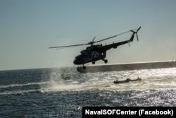 Під час тактико-спеціальних навчань проводили злагодження морської та повітряної компонент Сил спецоперацій ЗСУ. 1 жовтня 2021 року