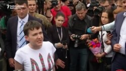 Ukrainian Pilot Savchenko Freed In Russian Prisoner Swap