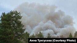 Лесные пожары в лесах Сибири, подошли к деревням и селам