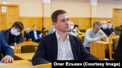 Олег Елькин