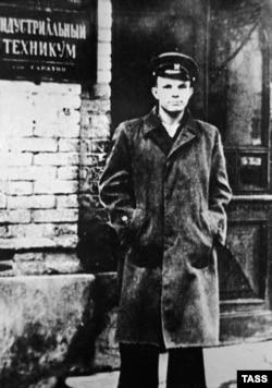 Юрий Гагарин – учащийся Саратовского индустриального техникума, 1952 год