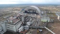 Чорнобильська АЕС перед насуванням конфайнменту