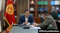 Садыр Жапаров жана Уларбек Шаршеев. 26-октябрь, 2020-жыл.