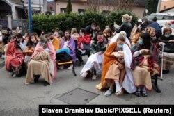 Pacienți și personal medical evacuați la Sveti Duh