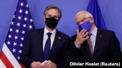 Sekretari amerikan i Shtetit, Antony J. Blinken dhe Përfaqësuesi i lartë i Bashkimit Evropian për Politikë të Jashtme dhe Siguri, Josep Borrell.