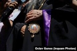 Arhiepiscopul Tomisului la Direcția Naționala Anticorupție, în calitate de martor, 12 iulie 2016.