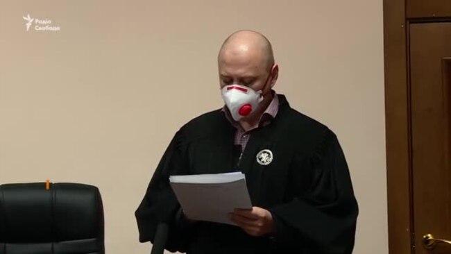 «Від тюрми і суми не зарікайся». Суд оголосив Медведчуку запобіжний захід (відео)