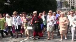 Жінки України флеш-мобом відзначили День миру (відео)