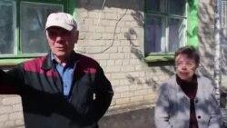 Жители поселка Чертково Нина Курова и Григорий Ульченко
