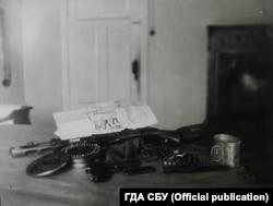Кулемет Дегтярьова та набої, які знайшли у будинку оунівця Губара. ГДА СБУ, фонд 5, справа 68216-о, том 7