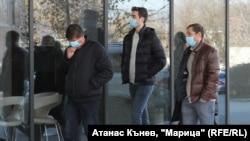 Антон Зингаревич (с кафявото яке) по време на краткото си посещение в Пловдив.