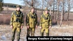 Сергей с отцом и братом