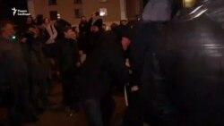 Драка во время акции в поддержку Навального в Петербурге