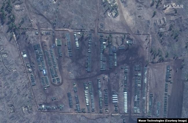 Супутникове фото польового табору в Погоново