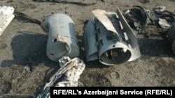 Фрагменты кассетных боеприпасов на кадрах, представленных правозащитными группами.