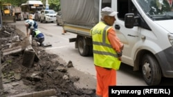 Дорожньо-ремонтні роботи на вулиці Київській у Сімферополі, архівне фото