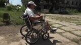 Pe aici nu se trece. Cât de accesibil e un oraş din Moldova pentru oamenii în cărucior