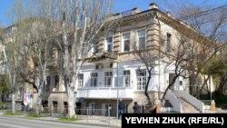 Дом №27 построен во второй половине XIX века