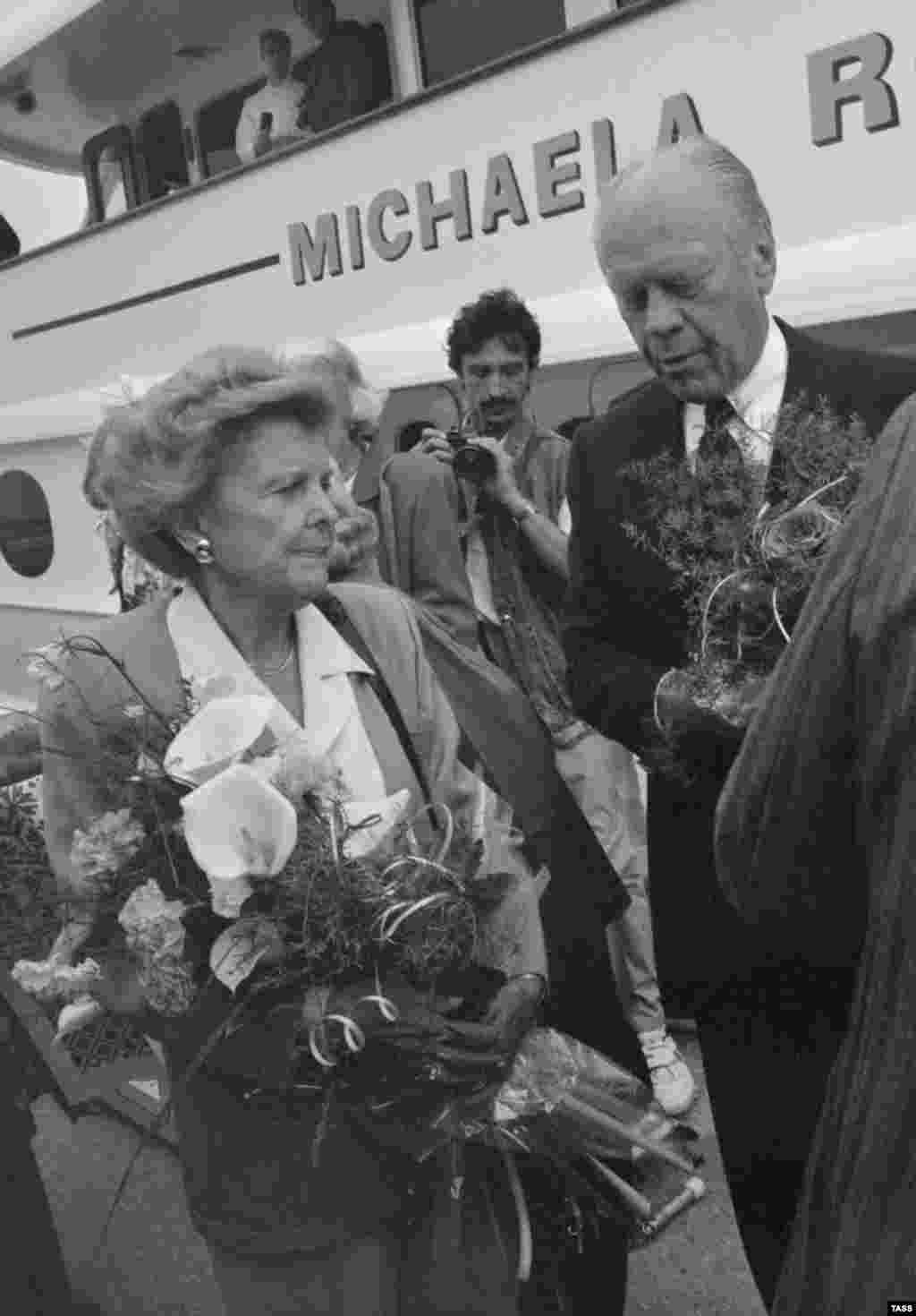 Известно, что Форд посещалМемориал погибшим в Крымской войне английским воинам, построенный в начале 1990-х годов на Каткартовом холме в Севастополе