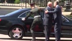 Офіційна церемонія зустрічі Януковича і Лукашенка