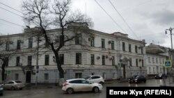 В доме №49 по улице Ленина располагается военная прокуратура Черноморского флота