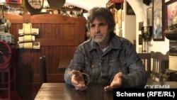 Власник кафе-музею «Під Замком» Юрій Руснак каже, що сепаратизму на Закарпатті немає