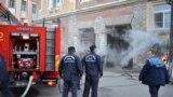 Spitalul din Satu Mare se numără printre cele care au luat foc în ultimul an. Imensa majoritate a spitalelor românești sunt nerenovate de zeci de ani, deși sistemul sanitar este alimentat anual cu 10 miliarde de euro