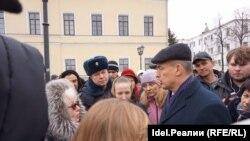 Олег Глебов отвечает на вопросы обманутых вкладчиков