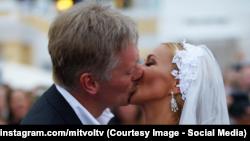 Первая фотография со свадьбы Дмитрия Пескова и Татьяны Навки появилась в соцсетях, а не на лентах информационных агентств, 1 августа 2015.