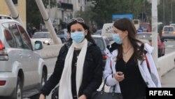 В грузинских аптеках говорят, что защитных масок хватит на всех