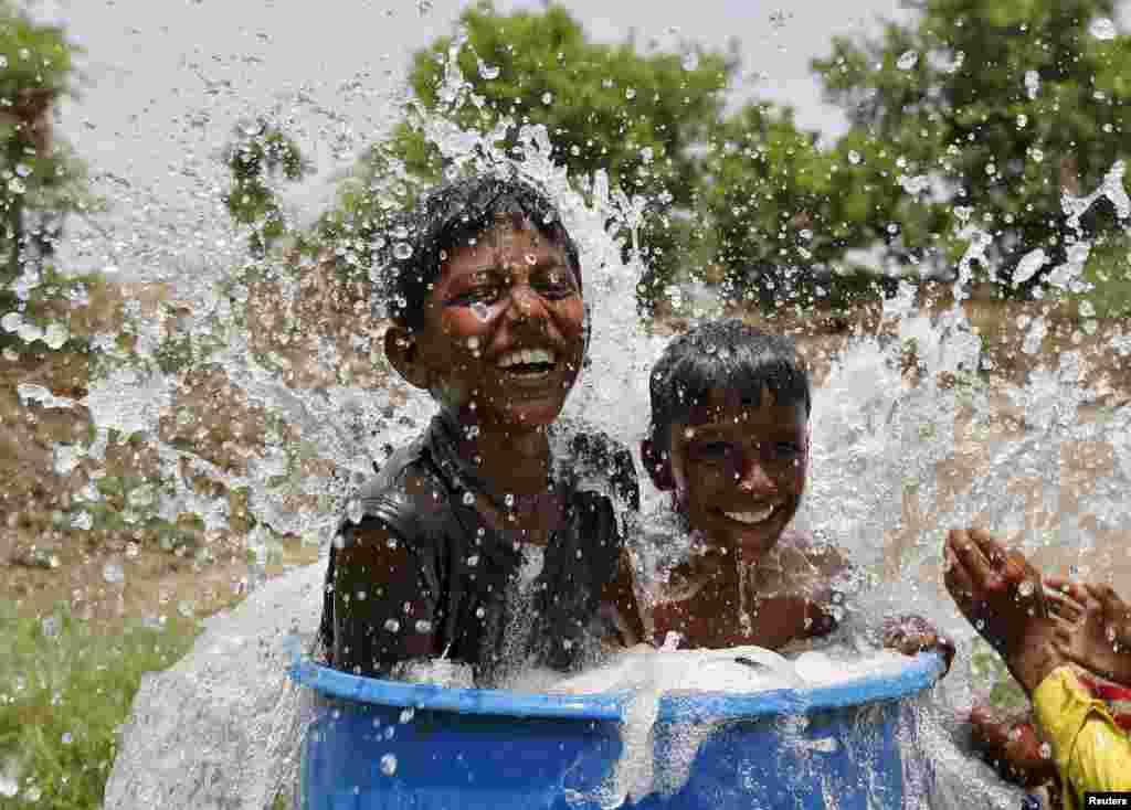 С начала жары в Индии погибли как минимум 2000 человек