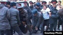 Zanbaq inqilabının 5-ci ildönümü ərəfəsində Bişkekdə polis 19 müxalifətçini tutub