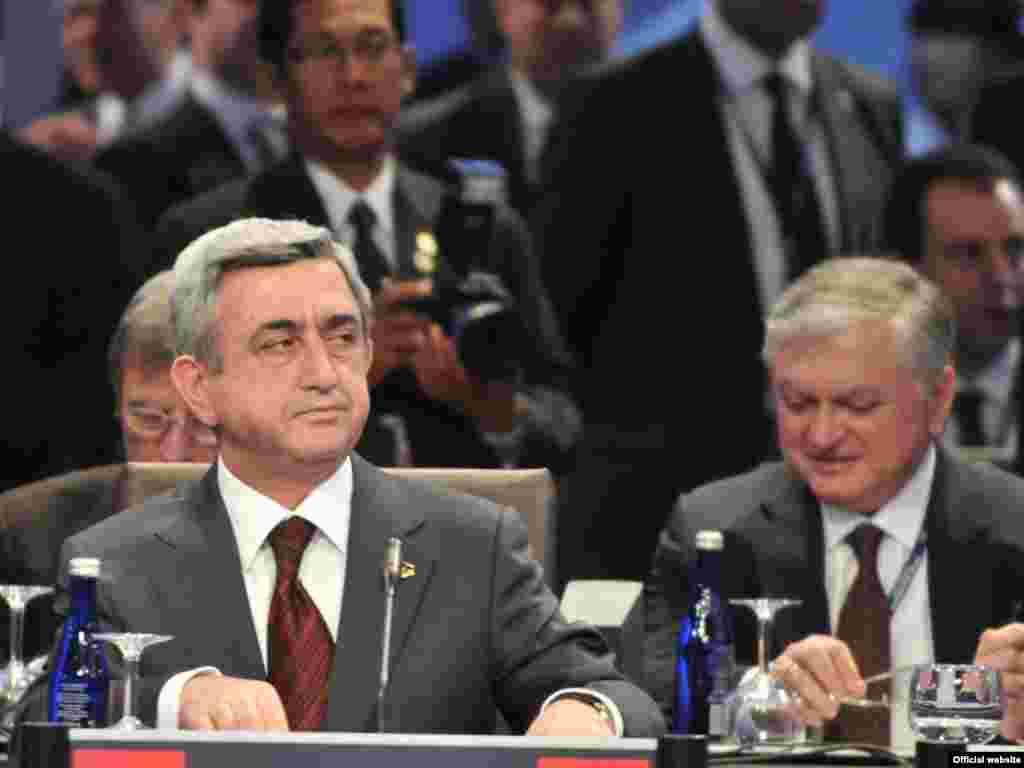 U.S. -- President Sargsyan at the Nuclear Security Summit, Washington D.C., 13Apr2010