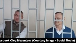 Станіслав Клих (л) і Микола Карпюк (п) на суді у Грозному, архівне фото