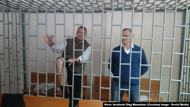 Микола Карпюк (праворуч) і Станіслав Клих, яких судять у російському Грозному