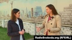 Інна Томина, дивилася серіал «Мадам Держсекретар» (справа)