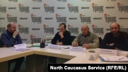 Активисты из числа переселенцев из Чечни на круглом столе