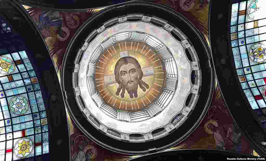 The main dome inside the cathedral includes Jesus looking down on worshippers. Many details of the cathedral reference the 1941-45 war with Nazi Germany. The diameter of the main dome is 19.45 meters, while the belfry will be 75 meters above the ground in honor of the upcoming 75th anniversary.