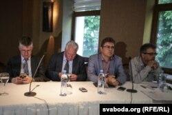 На фота (зьлева направа) Іван Курыла, Валянцін Голубеў, Лукаш Адамскі, Русьціс Камунтавічус
