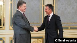 Петр Порошенко и Андерс Фог Рассмусен