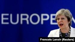 Premierul britanic Theresa May , la summitul UE de la Bruxelles, din 20 octombrie 2017